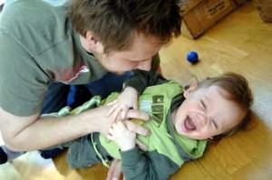 Pappa som njuter av livets största glädjeämne när arbetsåret är över? Bildkälla