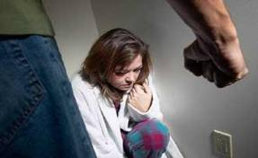 hustrumisshandel