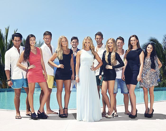 Gruppfoto av deltagare i Paradise Hotel
