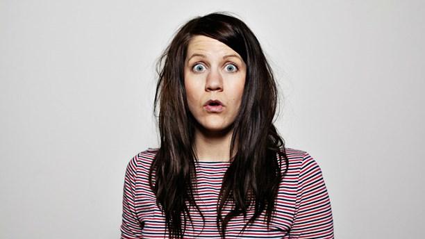 Emma Knyckare i Sveriges Radio visar det komiska i mäns självmord.