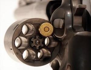 Revolver laddad med ett skott
