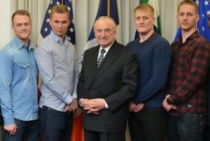 Svenska poliser tackas av NYPD