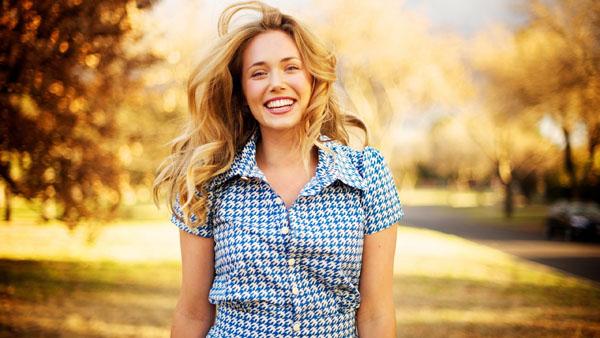 En lycklig kvinna är en vacker kvinna