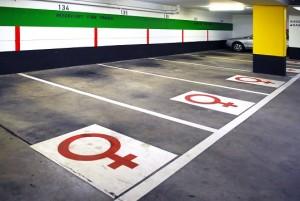 Kvinnliga parkeringsplatser i Köln